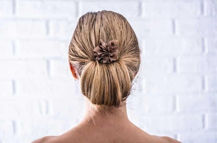 Penteados para mãe da noiva coque vintage