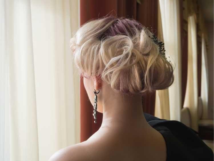 Penteados para mãe da noiva preso coque alto vintage