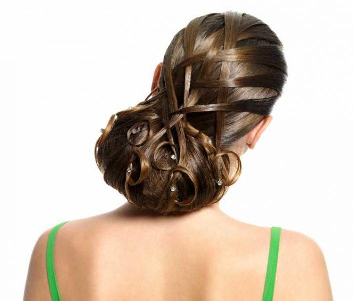 Penteados para mãe da noiva preso vintage com pontos de luz