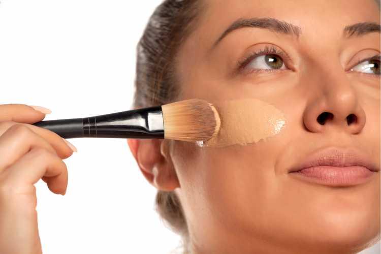 Aplicar Maquiagem com pincel