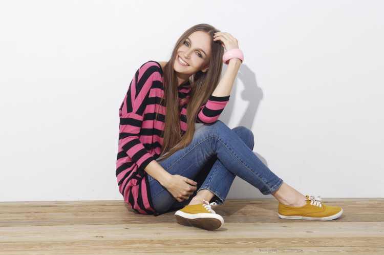 blusa com listras coloridas é tendência no inverno