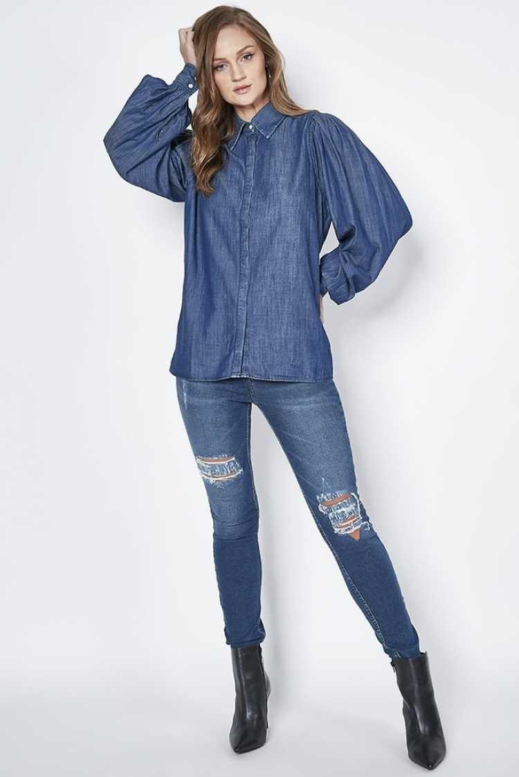 blusa jeans com mangas bufantes