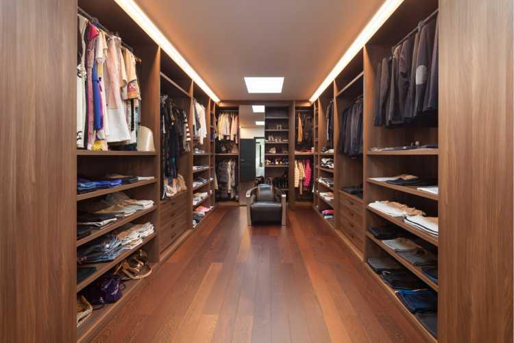 closet simples em madeira