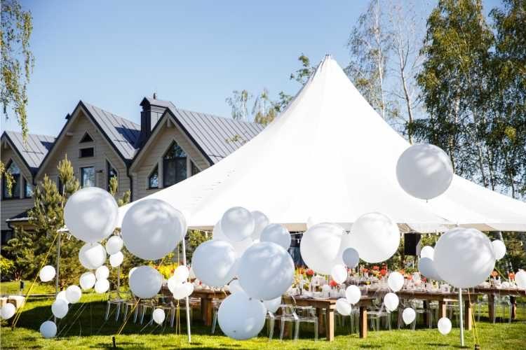 tenda enfeitada para casamento