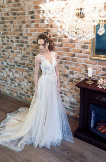 vestido de chiffon com cropped bordado