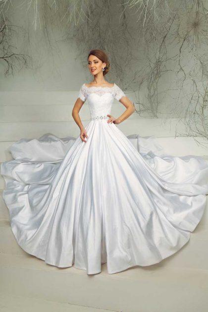 vestido de noiva com manga curta e saia rodada