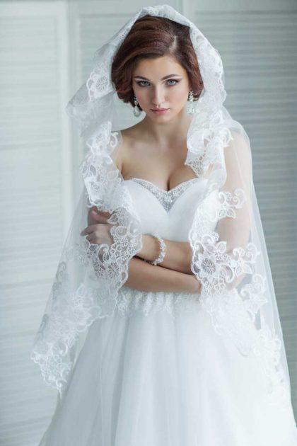 véu ideal bordado para um vestido de noiva perfeito