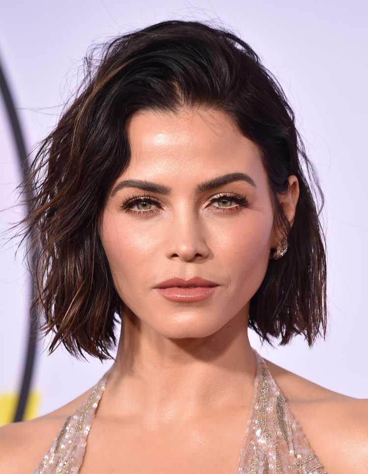 cabelo chanel assimétrico