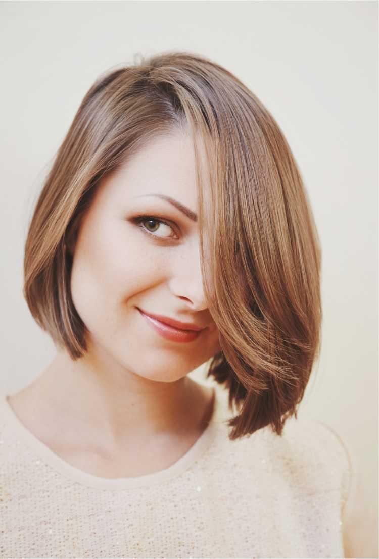 foto de corte chanel para rosto redondo