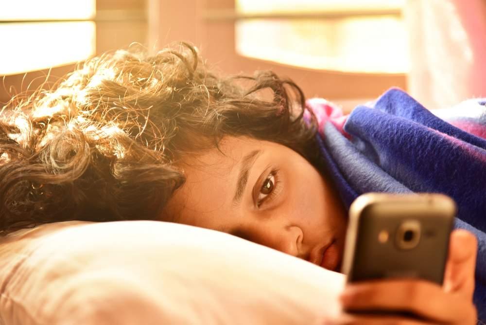 Elimine o hábito de acordar e ir direto para o whatsapp