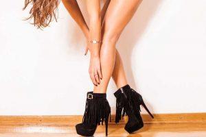 botas de salto com cano curto
