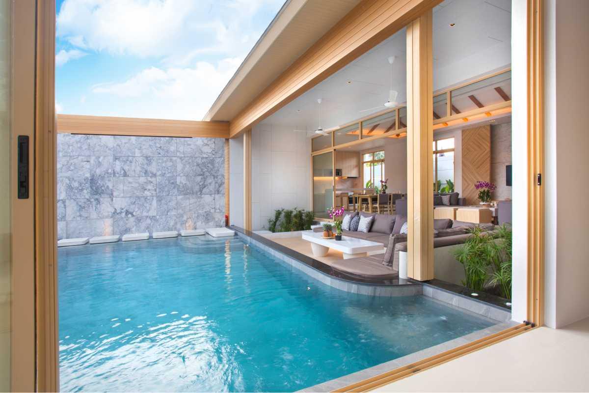 piscina pequena integrada à casa