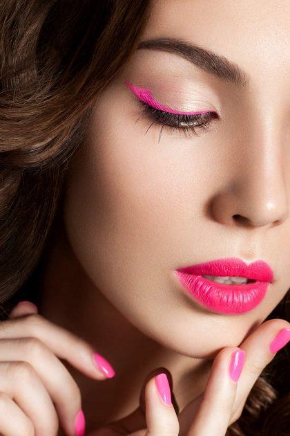 Delineado rosa fluorescente
