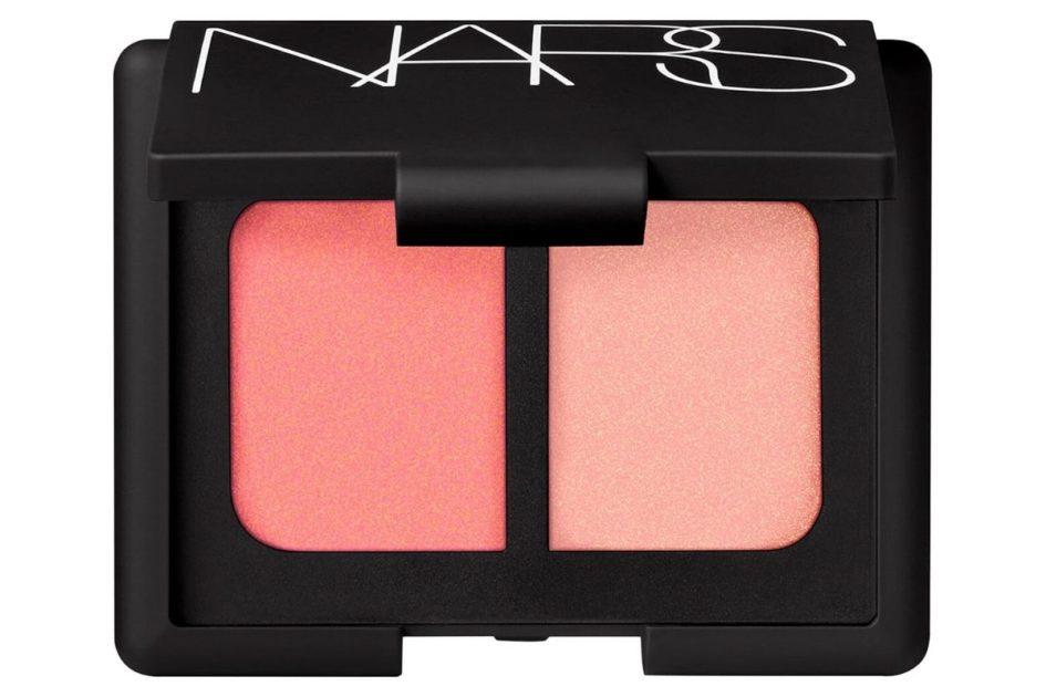 """Blush """"Orgasm"""" da Nars é um dos produtos de maquiagem recomendados por quem entende do assunto"""
