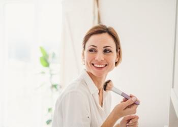 Maquiagem de acordo com a idade: Veja como valorizar sua make