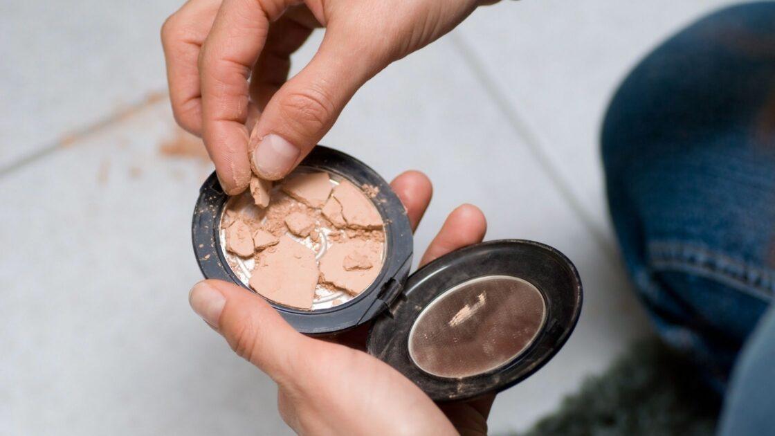 Aprenda recuperar itens de maquiagem quebrados ou secos